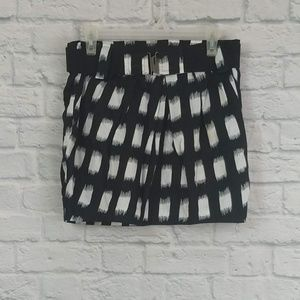 ✨3/$15✨BCBG Generations | B&W Belted Mini Skirt
